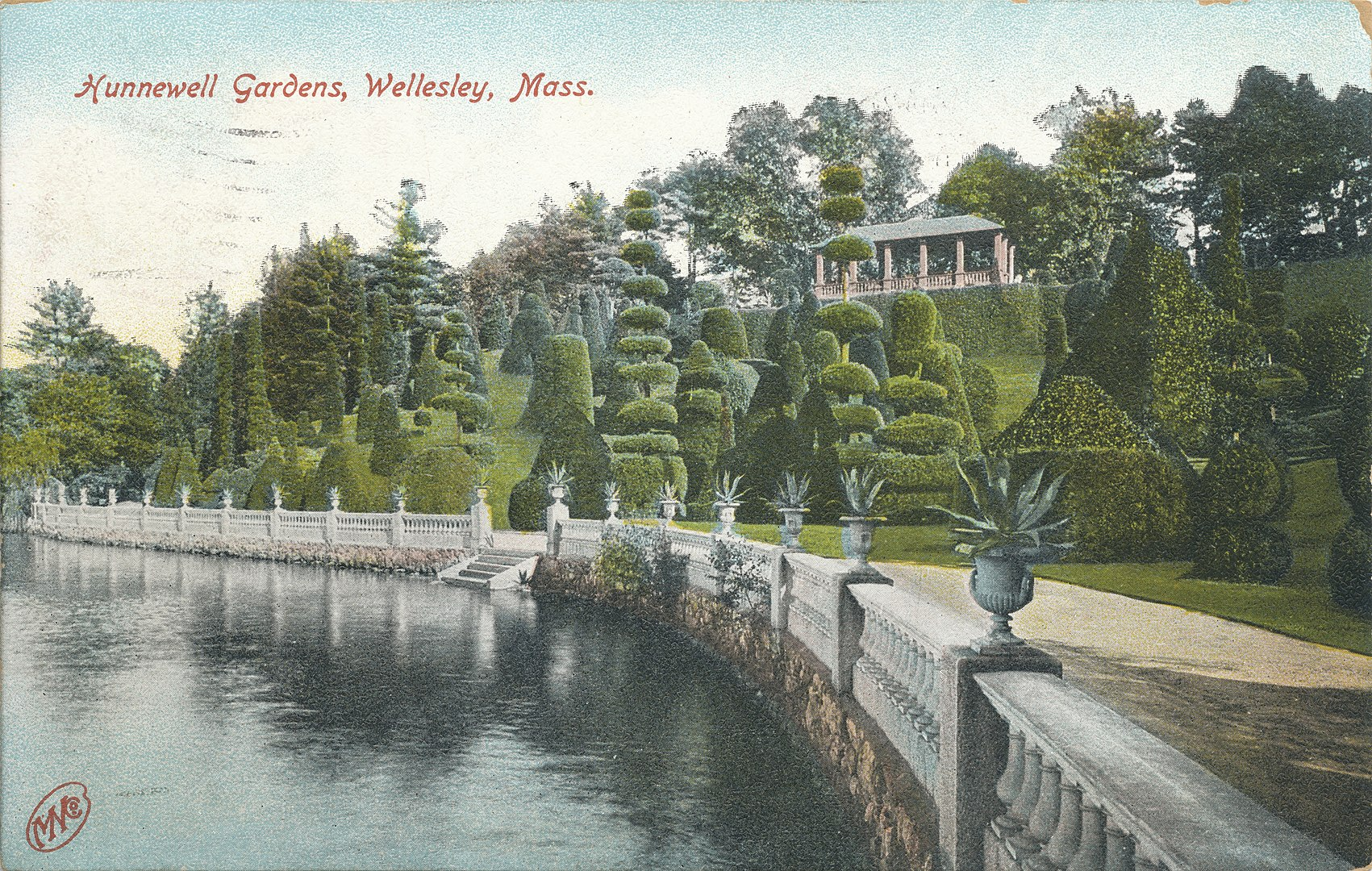 1701px-Hunnewell_Gardens,_on_the_shore_of_Lake_Waban,_Wellesley,_MA_(1909)
