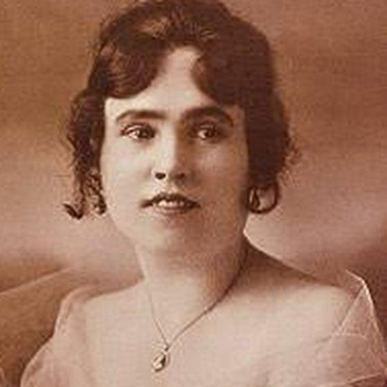Lorraine Collett